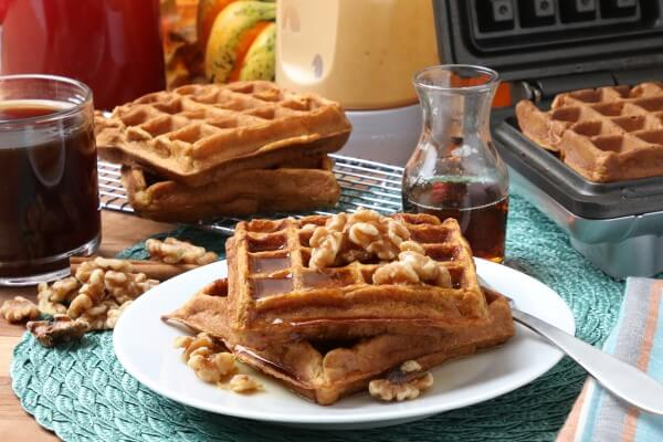 rzF2fNxyKf6bgCNv8-Pumpkin-Waffles-11